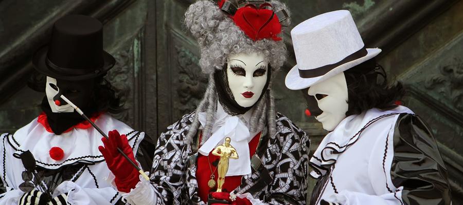 Concours des plus beaux costumes et masques